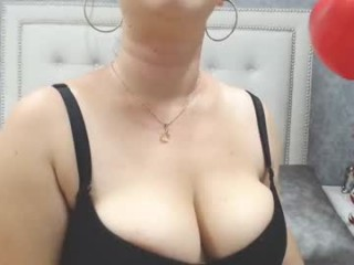 natalyevans bisexual fucking boys and girls live on sex camera