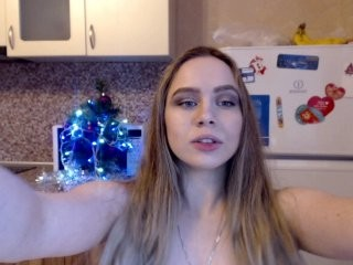 sofffaa blonde young cam girl and her wet little pussy, live on webcam