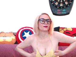 kristend redhead being naughty and seductive on a live webcam