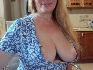 amore-mila redhead mature cam girl being naughty and seductive on a live webcam