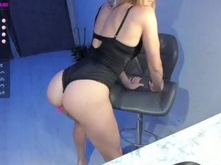 hot-molly show live sex via webcam