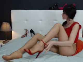 exotica_girl young cam girl seductress showing off her immaculate, sexy feet live on cam