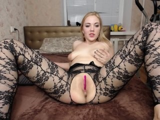 pepetka22 doing it solo, pleasuring her little pussy live on webcam