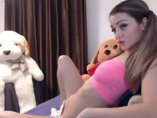 chloe_kitty with the ability to squirt in front of an audience live