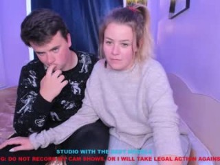 damon_n_alice couple doing everything you ask them in a sex chat