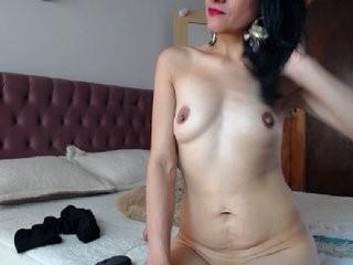 alanathompson sexy masturbating, teasing her wet cunt live on cam