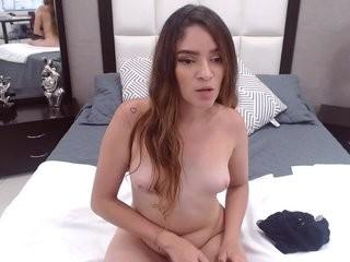marianareyes show live sex via webcam