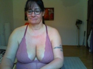 illymaus bisexual mature cam girl fucking boys and girls live on sex camera