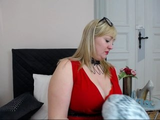 marinadirty blonde and her wet little pussy, live on webcam