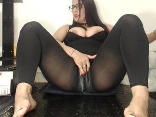 alisondulcexx the most beautiful brunette mature cam girl live on sex cam