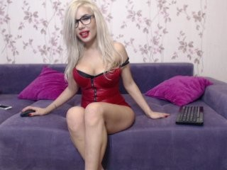 blondpamell sexy that loves double penetration action live on cam