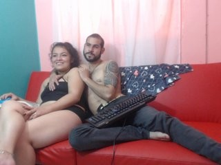 jams-and-liz young cam girl couple doing everything you ask them in a sex chat