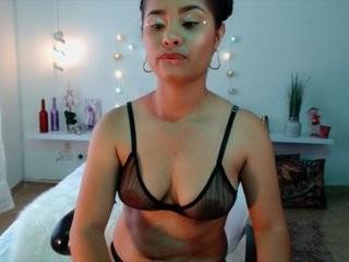helenaharris young girl who like to show live sex via webcam