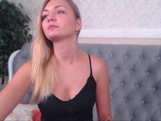 cinderellaq show live sex via webcam
