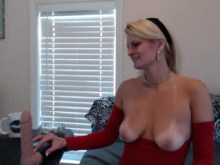 mrswadsworthy live sex session with milf cam girl getting her anal hole ruined