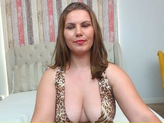 feliciakrige slut that gives the sloppiest blowjobs live on sex cam