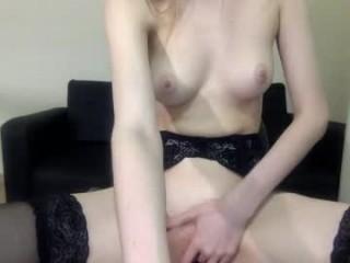 candysfox show live sex via webcam