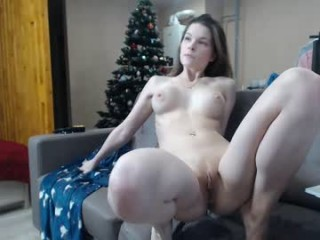 love_you_to123 drilling her holes with a big dildo live on sex cam