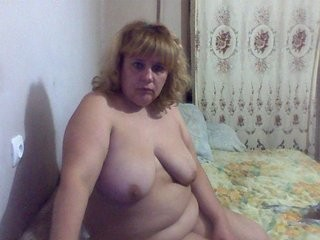 zaja-11 blonde and her wet little pussy, live on webcam