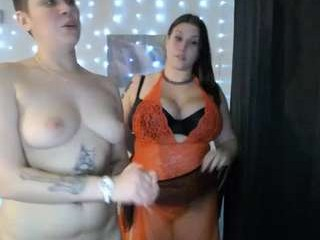 angel_deluca English young cam girl enjoys masturbating for you, live on a webcam