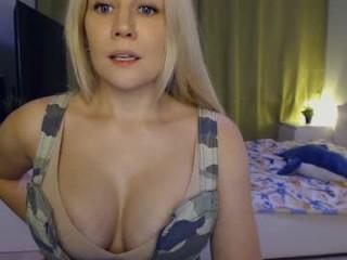simply_sasha BBW milf cam girl teasing her pussy live on sex cam