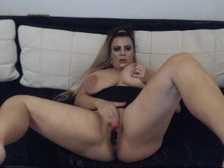 racel1112 sexy masturbating, teasing her wet cunt live on cam
