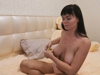 touchmenow the most beautiful brunette live on sex cam