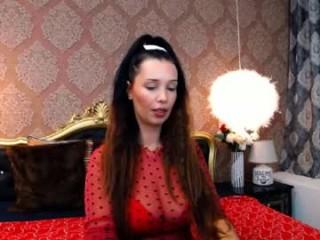 singleamanda doing it solo, pleasuring her little pussy live on webcam