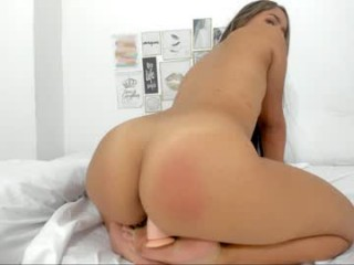 shera_18 bisexual young cam girl fucking boys and girls live on sex camera
