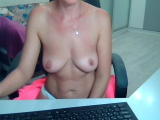 lelena13 blonde and her wet little pussy, live on webcam
