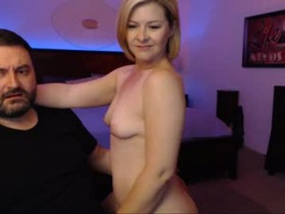 nikkinace blonde and her wet little pussy, live on webcam