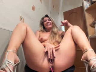 iren_888 XXX cam live cum show with a horny little mature cam girl
