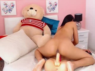 valeria_latin18 sexy cam girl show softcore sex via webcam