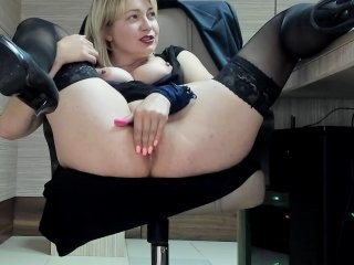 squirtyes Eastern pleasuring her immaculate pussy on camera