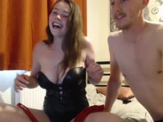 kjfucks naked getting wetter and wetter for you live on sex chat
