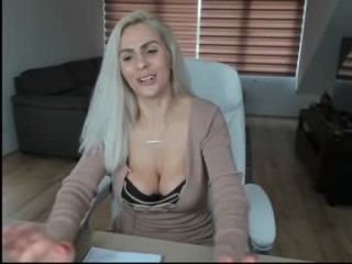 ruby_rosee slut with big, firm tits masturbating live on sex cam