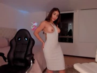kendra_benz young cam girl slut that gives the sloppiest blowjobs live on sex cam