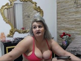 rosebbw BBW teasing her pussy live on sex cam