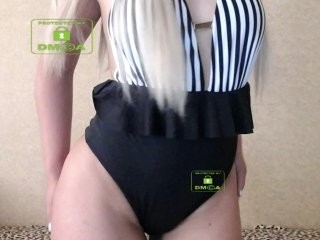 ni-ka blonde teen and her wet little pussy, live on webcam