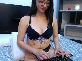 sashadeli show live sex via webcam