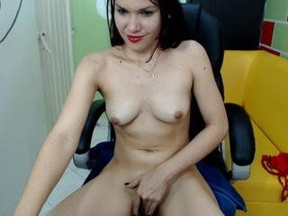miagoth young girl who like to show live sex via webcam