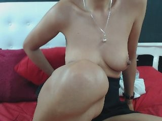 scarletmosss blonde and her wet little pussy, live on webcam