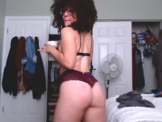 hedonic_honey young cam girl slut that gives the sloppiest blowjobs live on sex cam