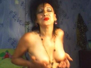 detka69123 the most beautiful brunette live on sex cam