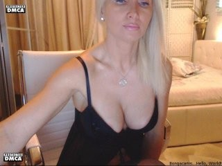 diadea blonde and her wet little pussy, live on webcam