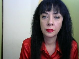 ollyva the most beautiful brunette mature cam girl live on sex cam
