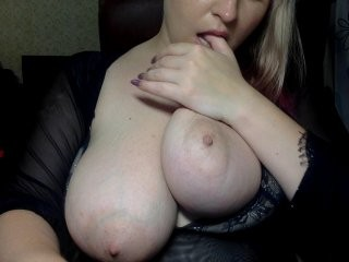 ithinkaboutu blonde and her wet little pussy, live on webcam