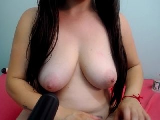 kendaljoness young cam girl doing it solo, pleasuring her little pussy live on webcam