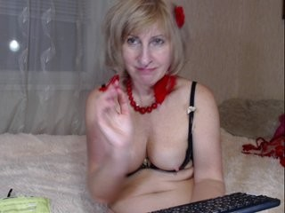 ladymilana003 blonde mature cam girl and her wet little pussy, live on webcam