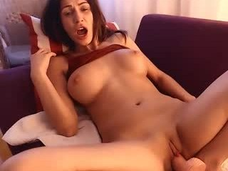 aariana4u milf cam girl doing it solo, pleasuring her little pussy live on webcam